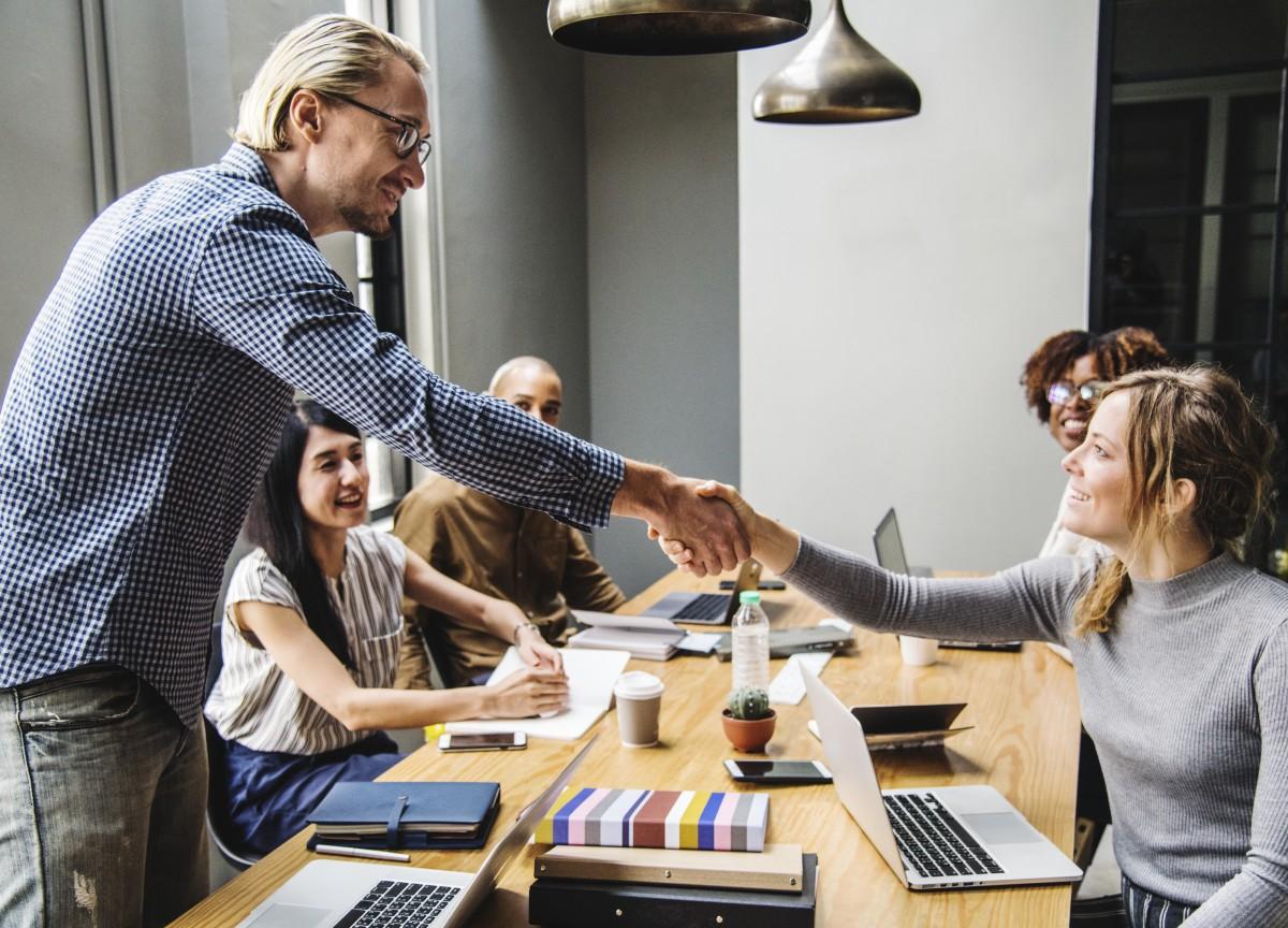 Asociatividad empresaria en el rubro tecnológico